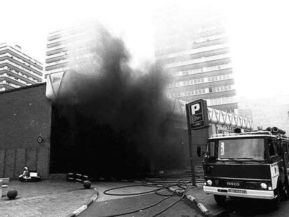 Imagen del atentado de ETA contra el supermercado Hipercor de Barcelona, en junio de 1987.