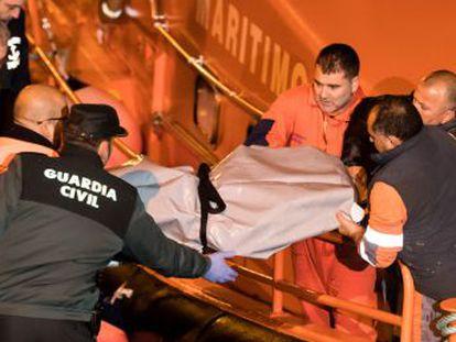 Salvamento Marítimo busca a otro marinero desaparecido en las aguas cercanas a Fisterra (A Coruña)