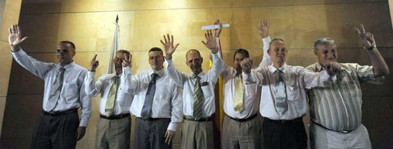 Los disidentes cubanos a su llegada a España
