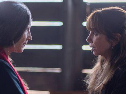 Ángela Molina y Victoria Abril, en la serie 'Días de Navidad'. En vídeo, el tráiler.