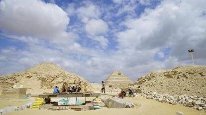 Aspecto del exterior de la excavación en Saqqara.