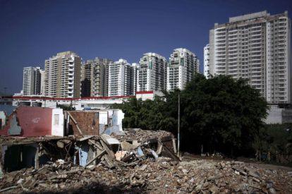 Favelas demolidas en Río de Janeiro, el pasado día 5, como parte de las obras de infraestructuras para el Mundial 2014