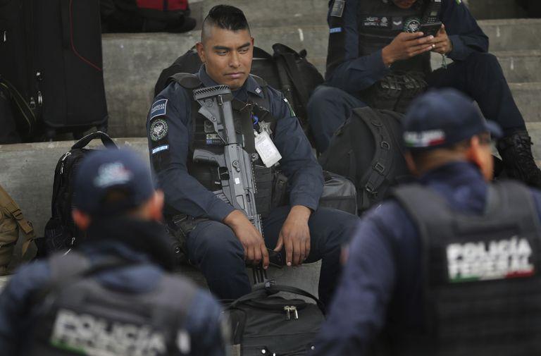 Protesta de policías federales, en julio de 2019, contra la decisión de ingresar en la Guardia Nacional.