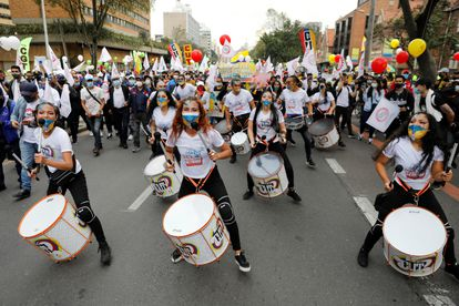 A batucada in the day of demonstrations in Colombia called throughout the country to reject the government's tax reform.