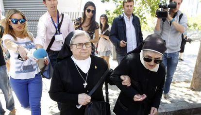 Sor Aurora Gallego a la salida del juzgado de Instrucción de Valencia donde ha declarado este martes.