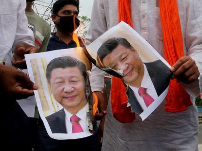 Manifestantes indios protestan contra los líderes chinos, en Bhopal, India, el pasado 16 de junio.