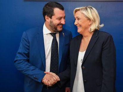 Los líderes ultra italiano y francesa se reúnen en Roma y explican su visión de las reformas que necesita la Unión Europea, a la que acusan de haber traicionado a los trabajadores en favor de las élites