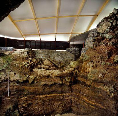 Excavaciones en El Castillo.