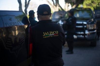Un policía en Ixtlahuacán, en el occidente de México, donde fue detenido Giovanni López.