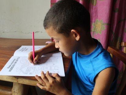 Joseph Barahona, de 10 años y alumno de la escuela Pedro Amaya de la Comunidad de Las Vegas, en Victoria en Yoro, Honduras.