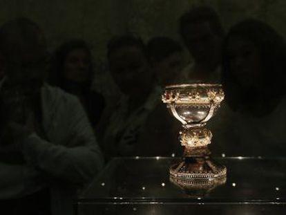 Una investigación asegura que el cáliz medieval de doña Urraca expuesto en San Isidoro es la copa de Cristo. Los historiadores la califican de fraude