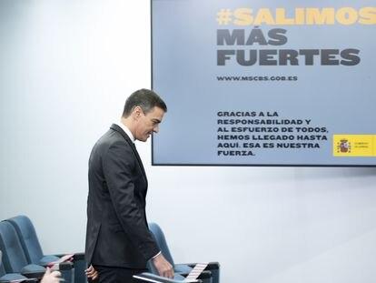 El presidente del Gobierno, Pedro Sánchez, a su llegada para comparecer en rueda de prensa desde La Moncloa.