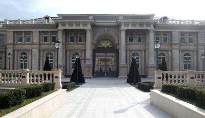 """La residencia en el cabo Idokopás, también conocida como el """"palacio de Putin"""".  Foto de ecologista Dmitry Shevchenko en 2011,"""