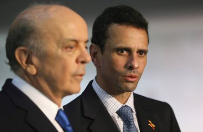 Henrique Capriles con José Serra, canciller brasileño.