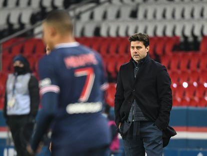 Mauricio Pochettino, en el partido del PSG ante el Stade Brestois en el Estadio del Parque de los Príncipes de París el pasado 9 de enero.