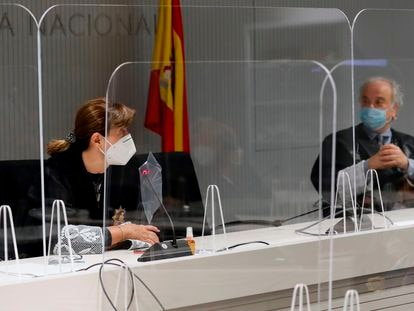 Concepción Espejel y Ramón Sáez, durante el juicio contra Josep Lluís Trapero, en 2020.
