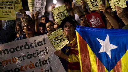 Protesta independentista anoche en Barcelona.