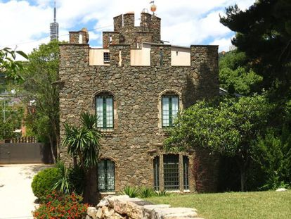 La casa del jardinero y el guarda de Bellesguard, construïda per Domènec Sugrañes, discípulo de Gaudí.