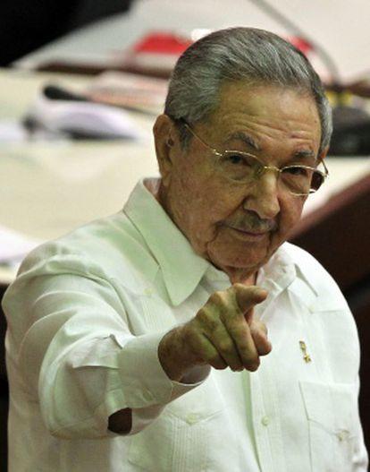 El presidente de Cuba, Raúl Castro, asiste a la sesión de clausura de la Asamblea cubana, en La Habana.
