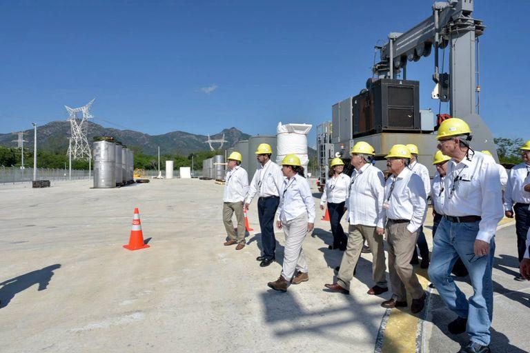Una visita de miembros del Gobierno a la Central Nuclear de Laguna Verde, en 2019.
