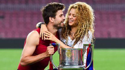 Piqué y Shakira tras ganar un título de Liga con el Barcelona,