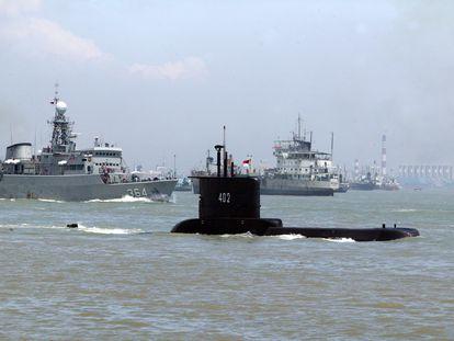 El submarino KRI Nanggala-402 durante una misión en una foto sin fecha.