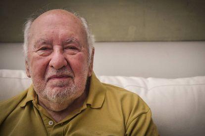 Guillermo Roux, en su casa de Martínez.