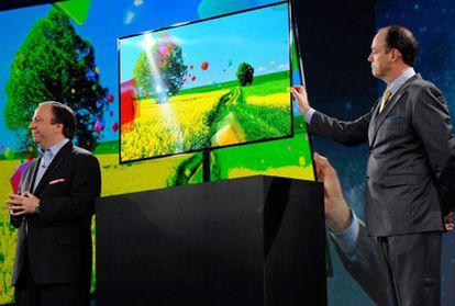 Samsung introduce el mando por voz y gestos en sus televisores.