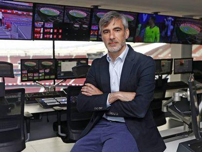 René Abril, el director de tecnología del Atlético de Madrid en uno de los centros de procesamiento de datos del Wanda Metropolitano. La sala que actúa como el cerebro del estadio.