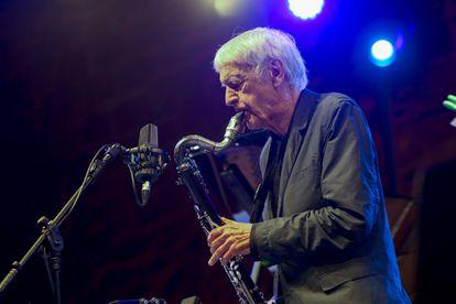 Michel Porta durante su concierto del jueves en San Sebastián.