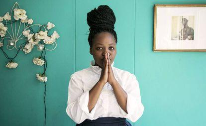 La poeta sudafricana Koleka Putuma, autora del libro 'Amnesia Colectiva'.