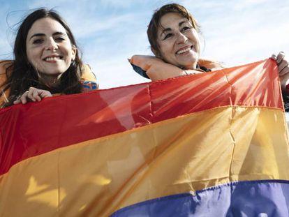 Pasajeros conmemoran el 80 aniversario del arribo del 'Winnipeg' a Chile. En vídeo, la recreación y las declaraciones de la ministra española de Justicia.