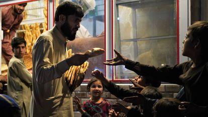 La vida sigue en el Afganistán de los talibanes