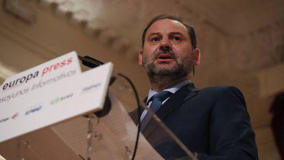 Conferencia del ministro de Fomento Jose Luis Ábalos en los desayunos organizados por Europa Press.