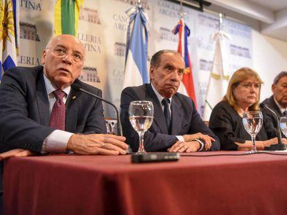 Los cancilleres Eladio Loizaga (Paraguay), Aloysio Nunes (Brasil), Susana Malcorra (Argentina) y Rodolfo Nin Novoa (Uruguay) durante la rueda de prensa en Buenos Aires
