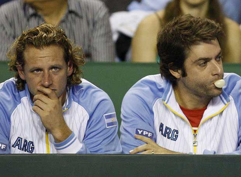 David Nalbandian y Agustín Calleri, en el banquillo argentino.