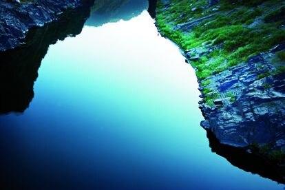 El origen y la composición única del manantial, descubierto en el siglo XIX, aportan al agua minerales que necesitamos.