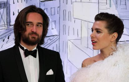 Carlota Casiraghi y su prometido Dimitri Rassam, en el Baile de la Rosa.