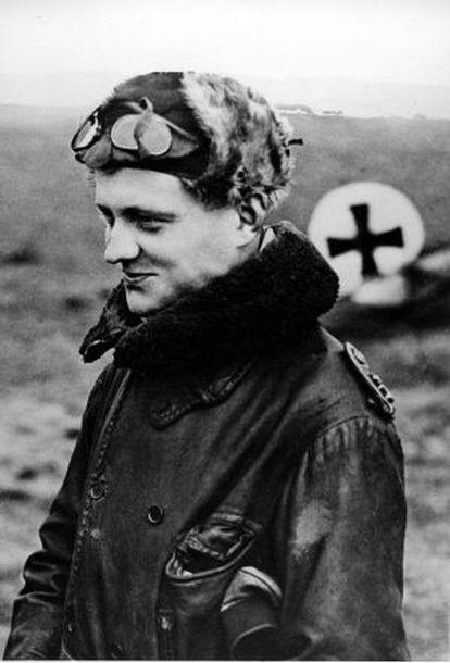Manfred von Richthofen, el Barón Rojo, en el año 1916.