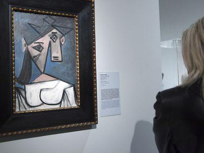 La obra del pintor malagueño Pablo Picasso 'Cabeza de Mujer', antes de ser robada de la Galería Nacional de Atenas (Grecia), en 2012.