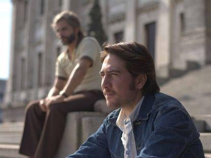 Joaquín Furriel (en segundo término) y Alberto Ammann, en 'El año de la furia'.