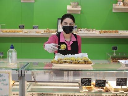 En Mifer venden las mejores rosquillas listas según el concurso celebrado en Madrid por profesionales del gremio. A.A