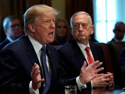 Donald Trump, en la Casa Blanca junto a Jim Mattis en julio de 2018.