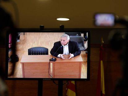 El exalcalde de Alicante, Luis Díaz Alperi, este lunes durante su declaración en el juicio.