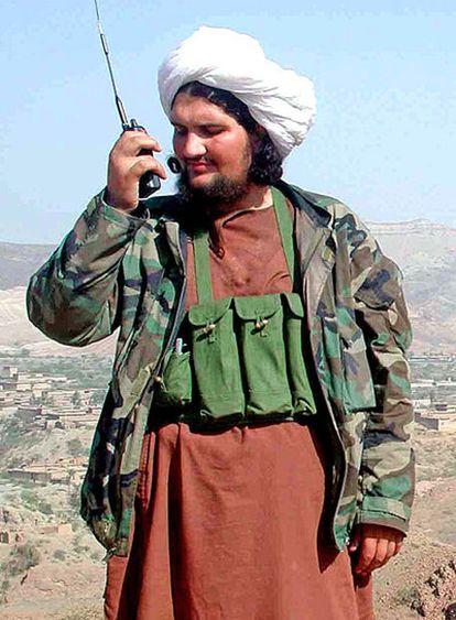 Baitulá Mehsud, líder talibán en Pakistán, fotografiado en 2004 cerca de la frontera con Afganistán