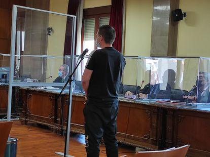 El imputado declara ante el juez durante una de las audiencias del juicio en la Audiencia de Jaén.