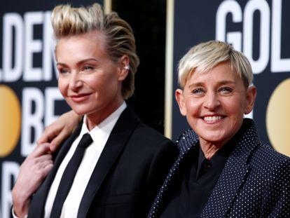 Ellen DeGeneres y su pareja, la actriz Portia de Rossi, en los Globos de Oro el pasado enero.