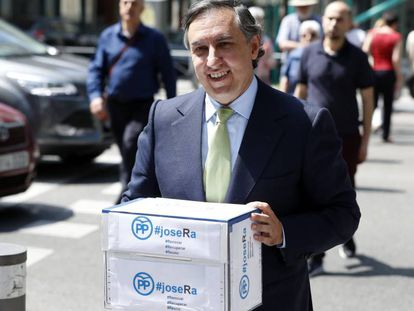José Ramon Garcia Hernandez presenta su candidatura para presidir el PP.