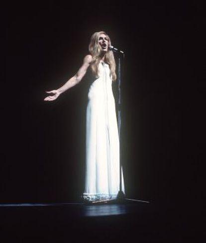 Dalida, en una actuación en el Olympia de París, en enero de 1974.