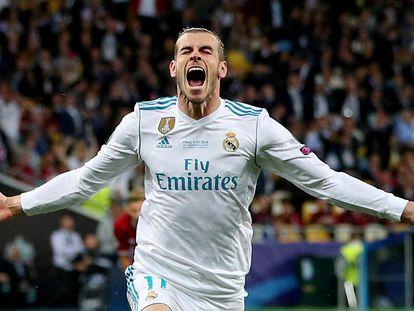 Bale celebra el gol de chilena en la final de la Champions ante el Liverpool, en 2018.